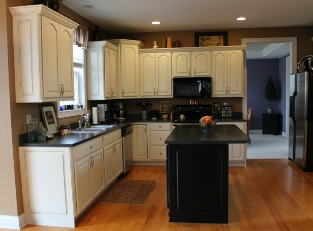 Glazed Crown Molding : Kitchen cabinet painted finishes